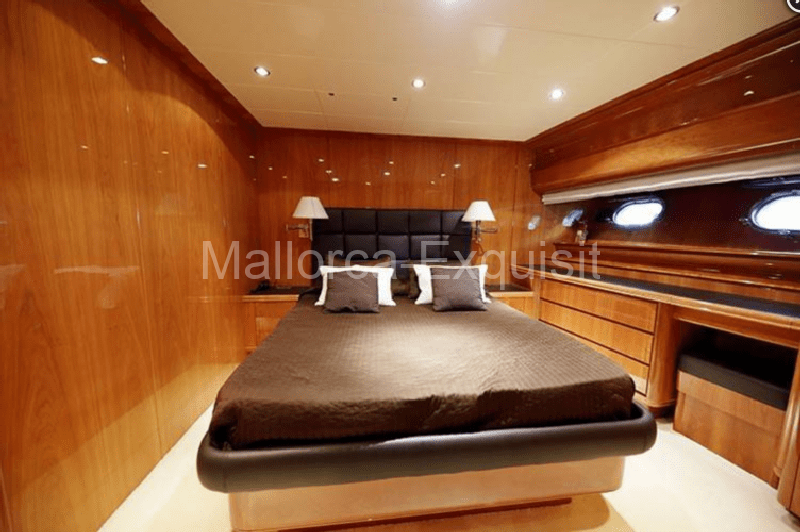 Red Line Yachtcharter Mallorca - Canados-80-S- 010