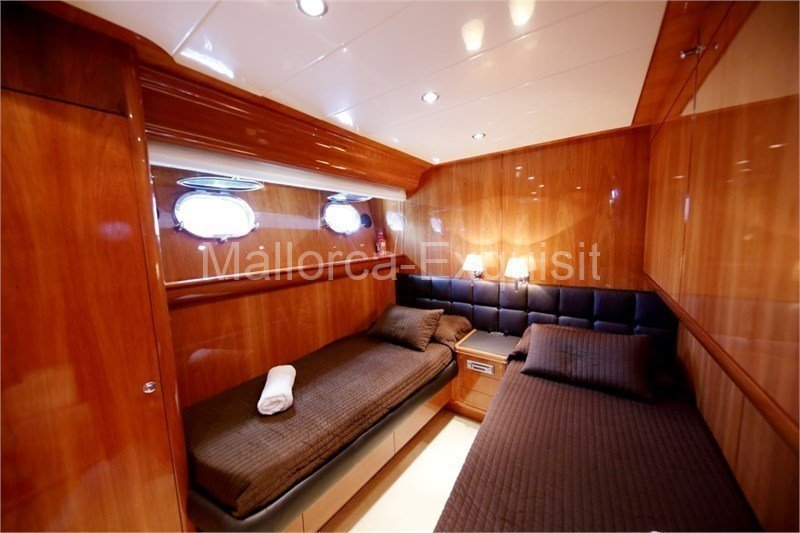 Red Line Yachtcharter Mallorca - Canados-80-S- 011